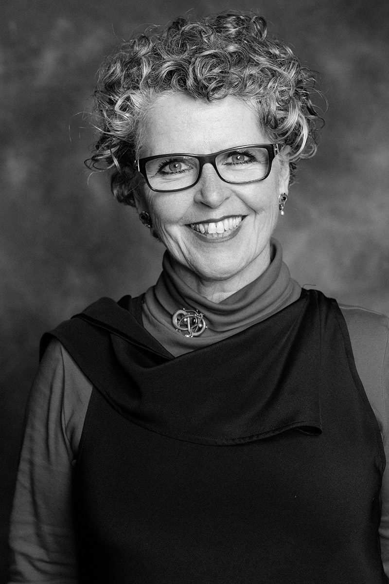 Pauline - Director